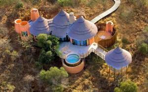 Thanda-Safari-Lodge-Pool-deck