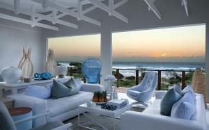 White-Pearl-White-Lounge
